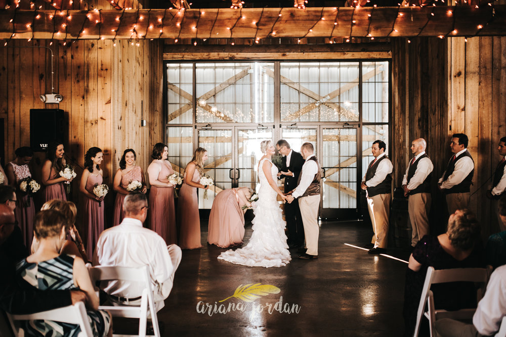 Kentucky Wedding Photographer - Talon Winery -0089.jpg