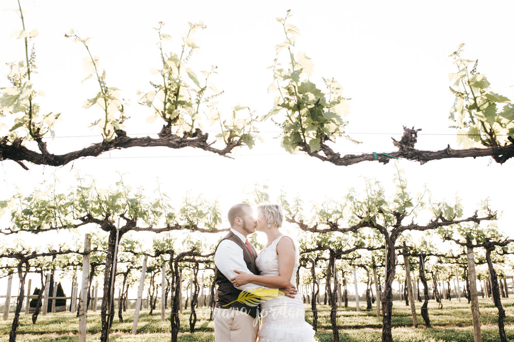 Kentucky Wedding Photographer - Talon Winery -0146.jpg