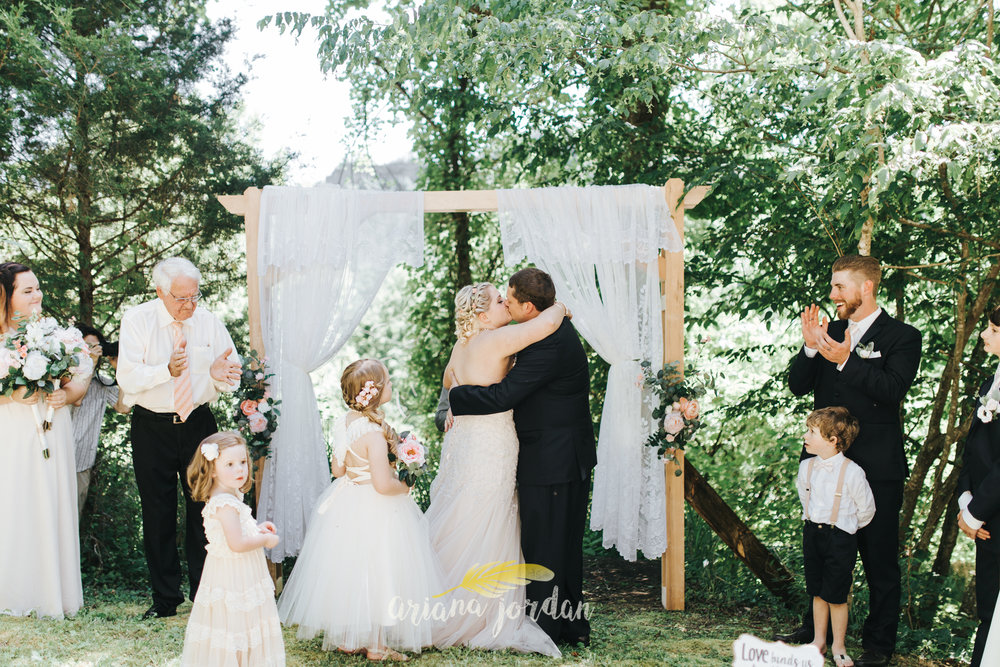 Kentucky Wedding Photographer - Red River Gorge Wedding -90.jpg