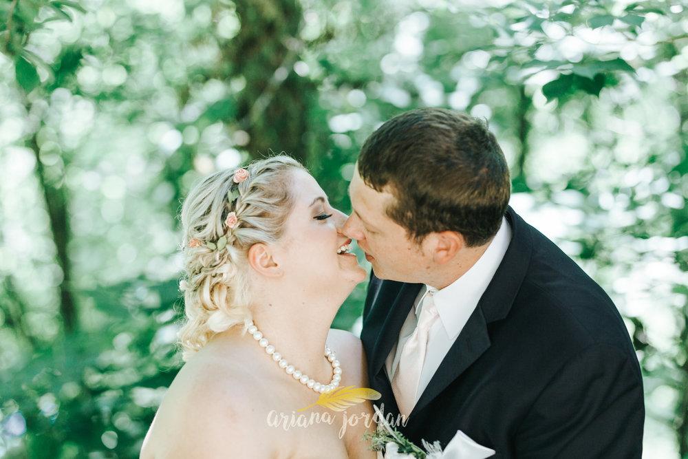 Kentucky Wedding Photographer - Red River Gorge Wedding -140.jpg