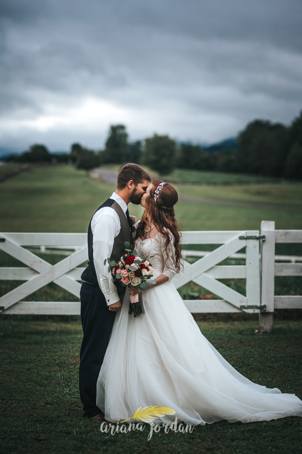 186 - Ariana Jordan - Kentucky Wedding Photographer - Landon & Tabitha_.jpg
