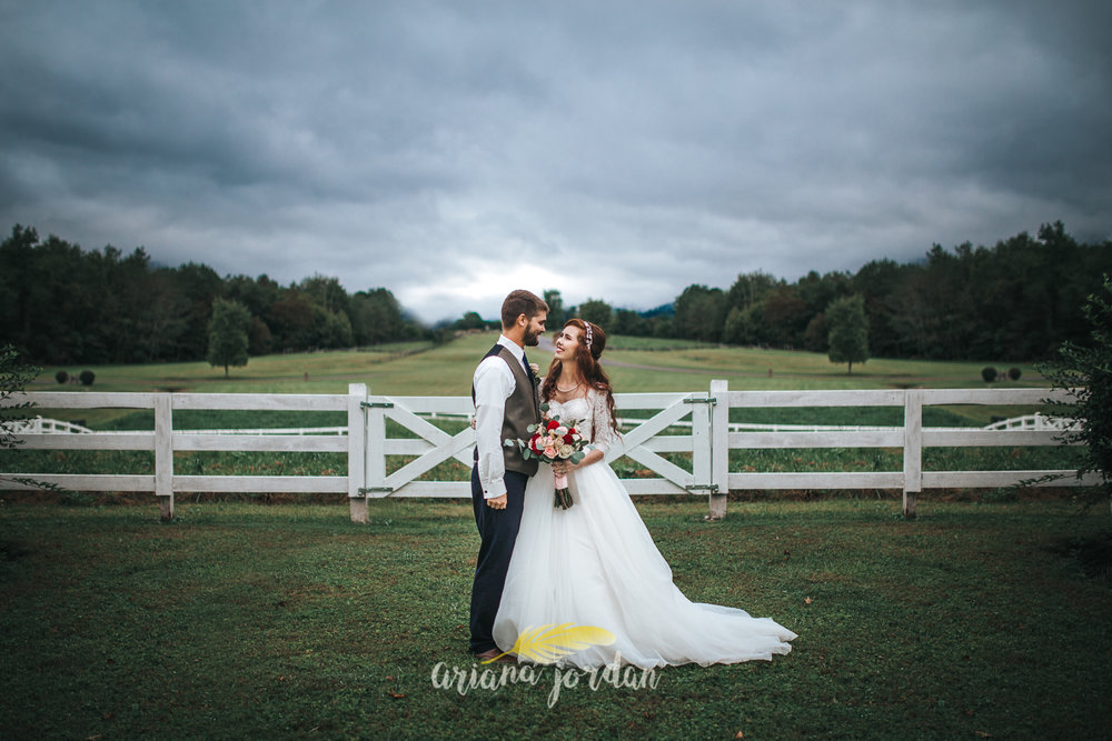 190 - Ariana Jordan - Kentucky Wedding Photographer - Landon & Tabitha_.jpg