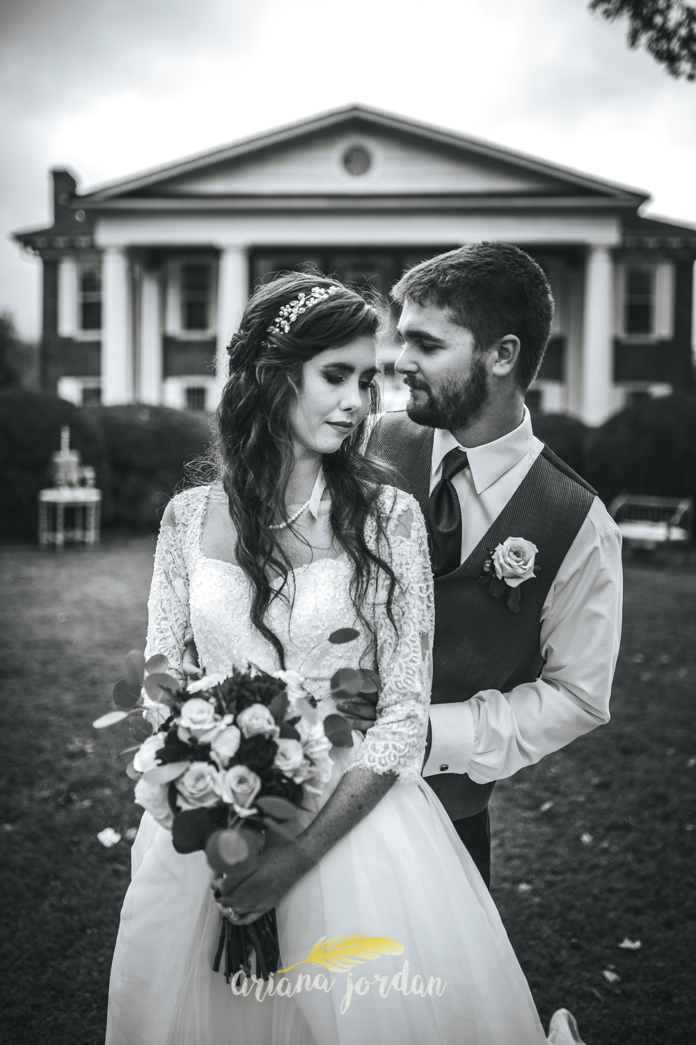 208 - Ariana Jordan - Kentucky Wedding Photographer - Landon & Tabitha 6981.jpg