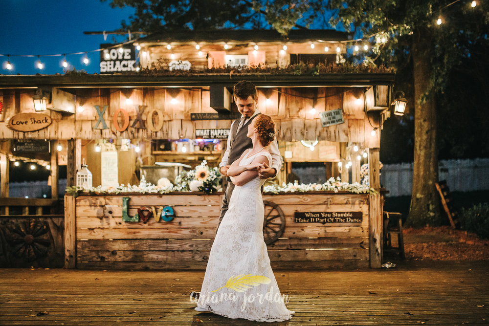 150 Ariana Jordan Photography -Moonlight Fields Lexington Ky Wedding Photographer 2272.jpg