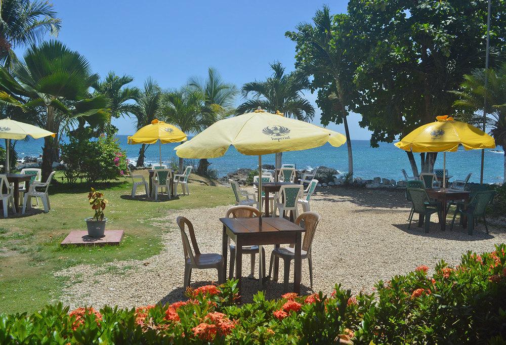 montezuma-lunch-spot-ocean-front.jpg