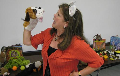 Susan with Mutt puppet.jpg