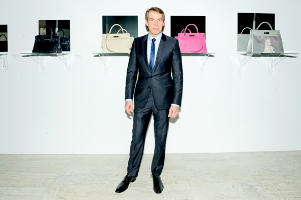 artnet :      In his latest move, Jeff Koons slapped his name on several Hermès Birkin bags—  transforming them into readymades.