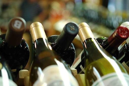 1e671272c008ef7d-winebottletops.jpg