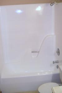 slippery fiberglass shower coating