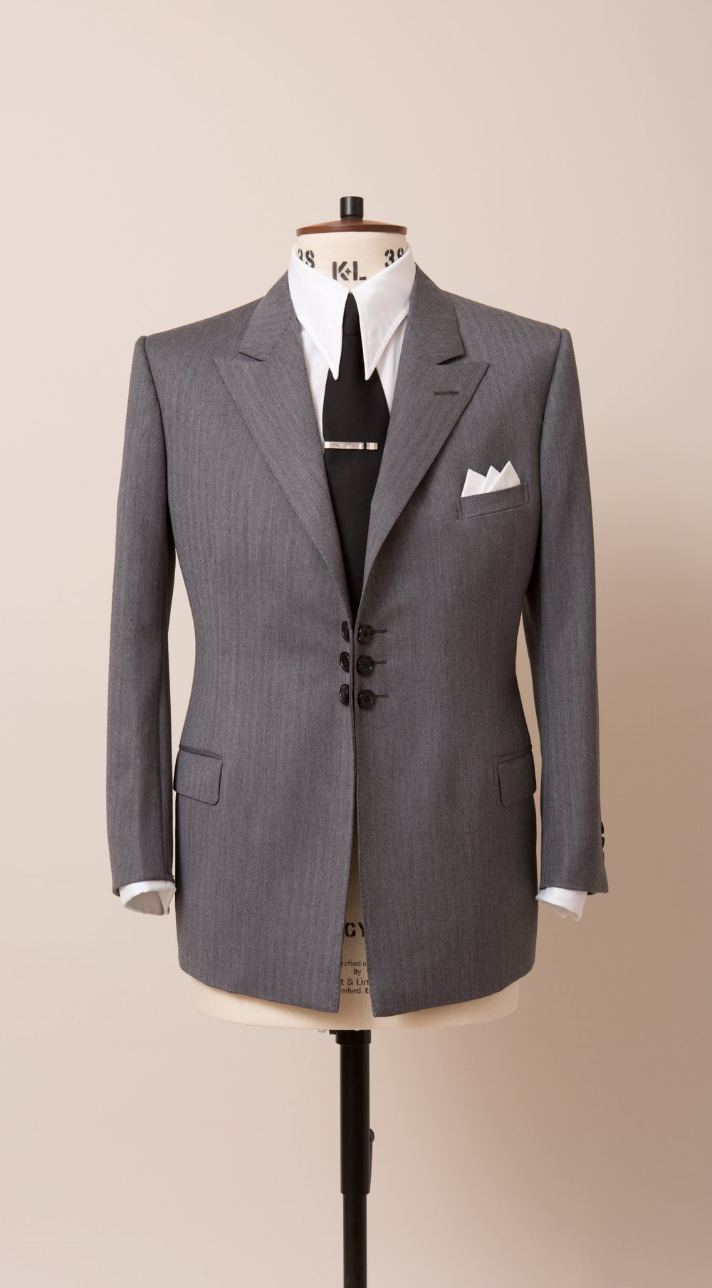 The Disguisery Mens bespoke suits. wedding suits-23.jpg