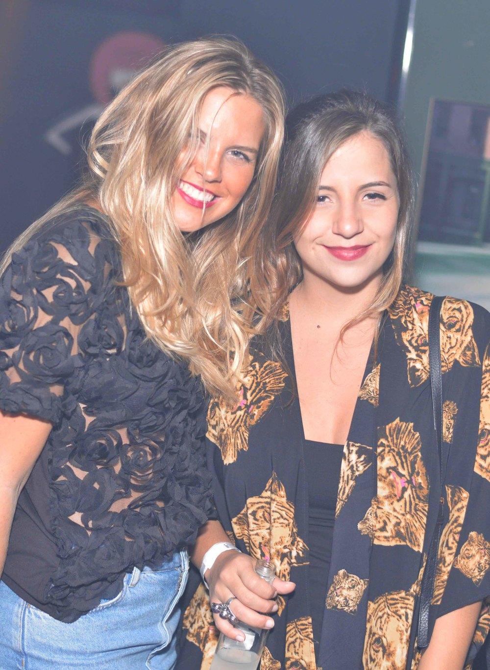 Nathalia Medeiros e Vitoria Castello.jpg