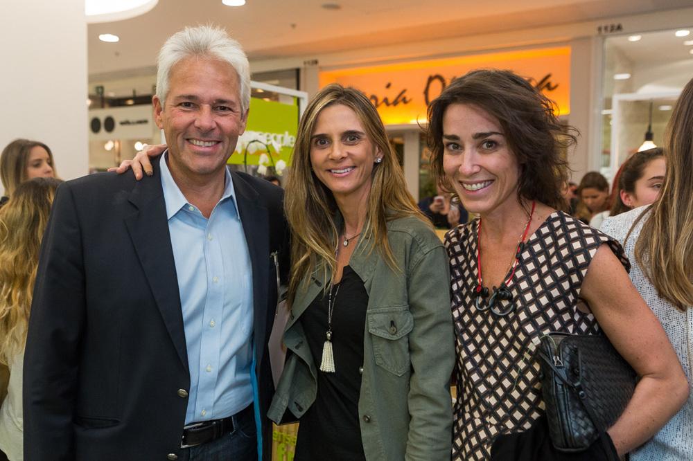 Flavio e Patricia Godinho e Gabriela Moraes