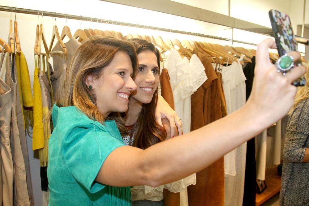RosanaBernardes&DanielaBernardes abrem Verão na Guipire, no Fashion Mall. Fotos Antonio Kämpffe. 1º.12 (112).JPG