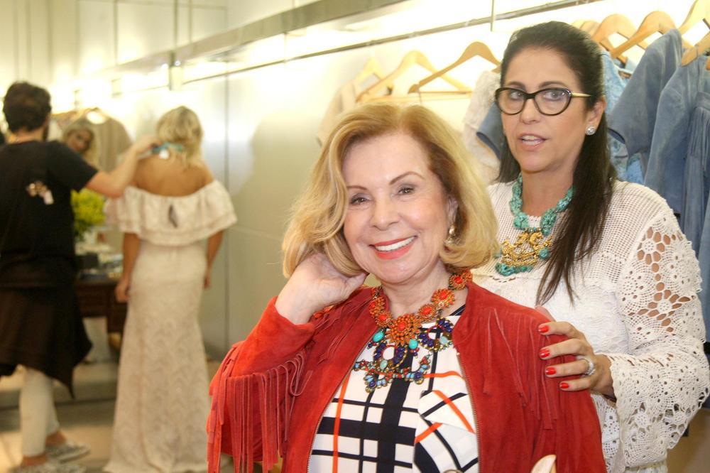 RosanaBernardes&DanielaBernardes abrem Verão na Guipire, no Fashion Mall. Fotos Antonio Kämpffe. 1º.12 (176).JPG