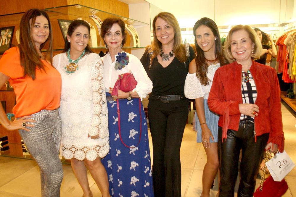 RosanaBernardes&DanielaBernardes abrem Verão na Guipire, no Fashion Mall. Fotos Antonio Kämpffe. 1º.12 (197).JPG