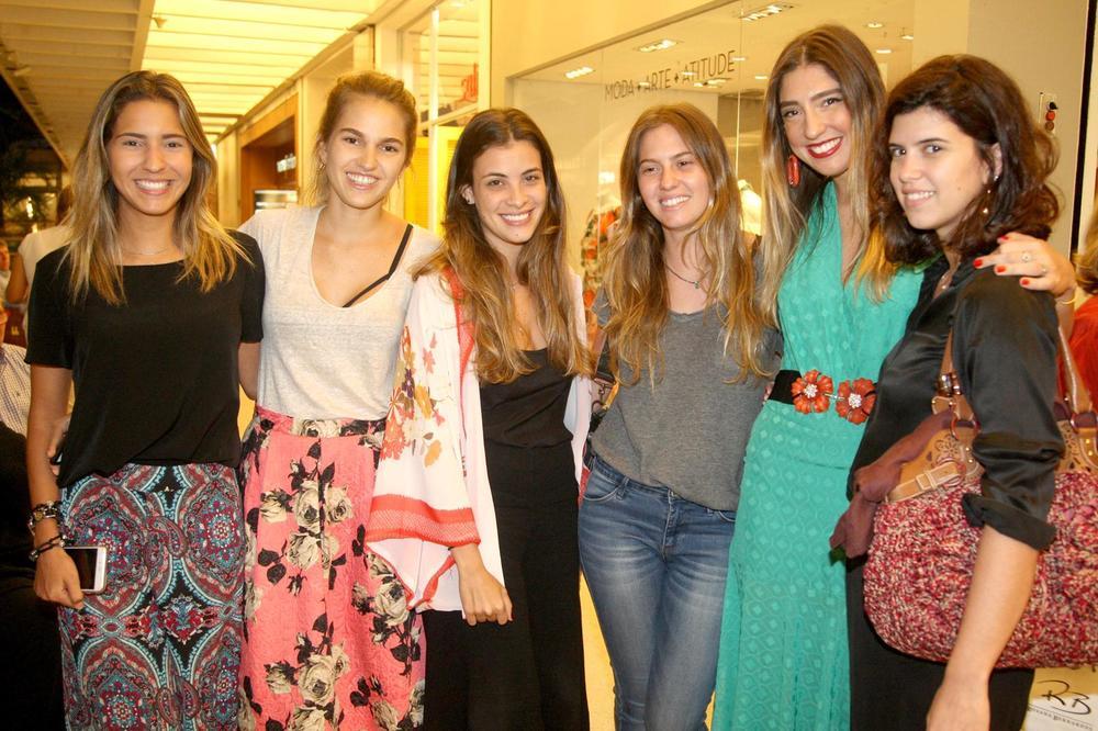 RosanaBernardes&DanielaBernardes abrem Verão na Guipire, no Fashion Mall. Fotos Antonio Kämpffe. 1º.12 (204).JPG
