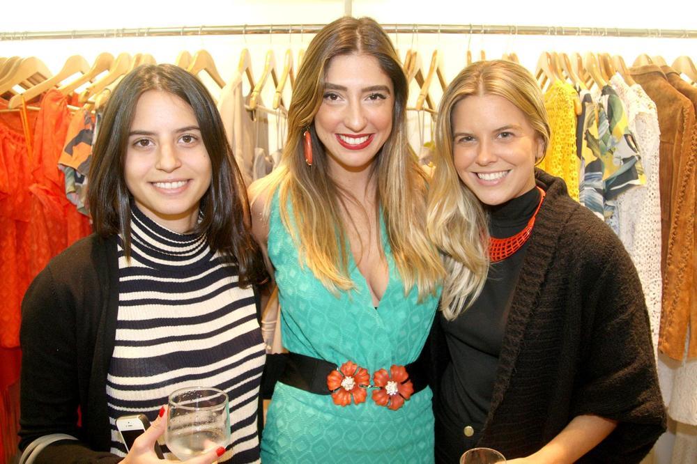 RosanaBernardes&DanielaBernardes abrem Verão na Guipire, no Fashion Mall. Fotos Antonio Kämpffe. 1º.12 (223).JPG