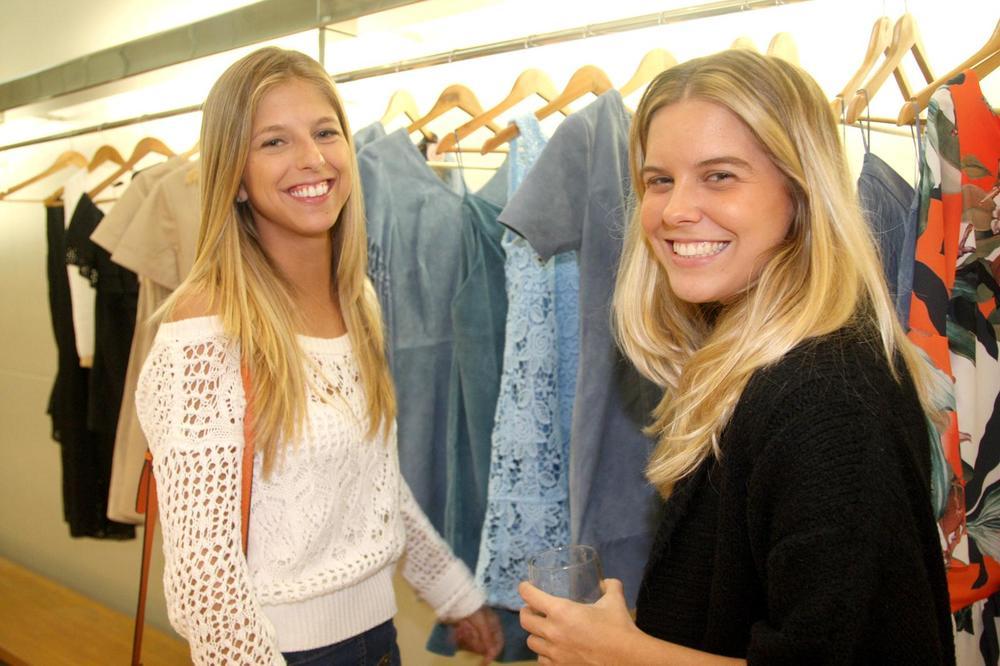 RosanaBernardes&DanielaBernardes abrem Verão na Guipire, no Fashion Mall. Fotos Antonio Kämpffe. 1º.12 (244).JPG