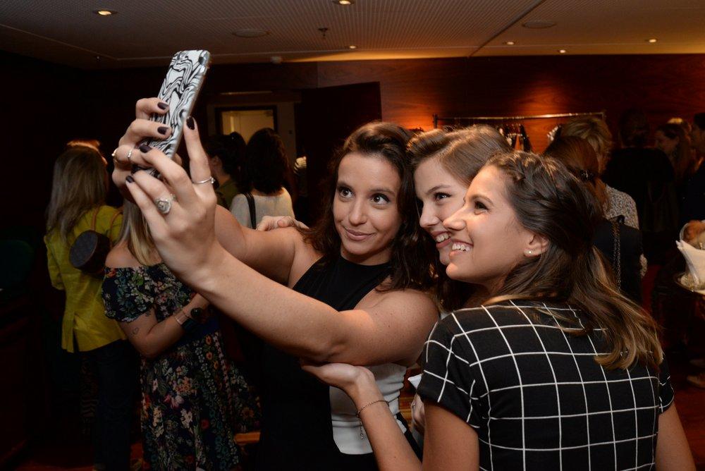 Rafaela Prado, Alice Wegmann e Daniela Figueiredo.JPG