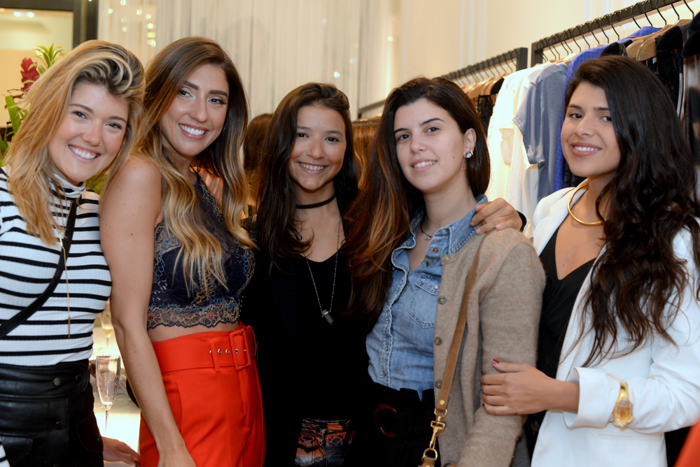 Carol Emmerick, Luiza D'Angelo, Flavia Bandeira, Carol Koeler e Manoela Pinto.JPG