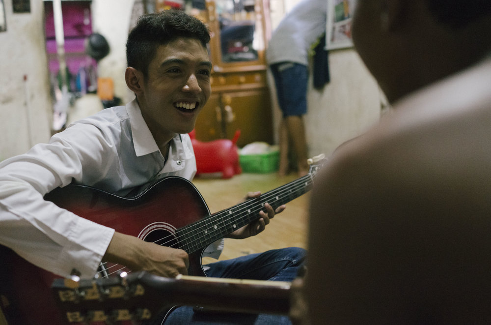Damian jams with Zin, with whom he writes most of the songs.  He and Zin have differing musical tastes from Kyaw, which has caused some tension in the group.