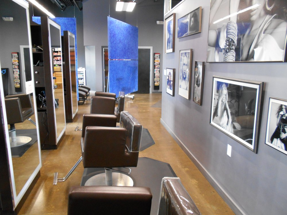 Salon Pic 3.jpg