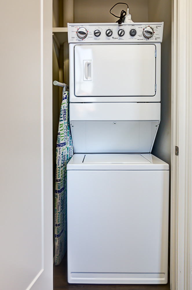07 Laundry Closet.jpg