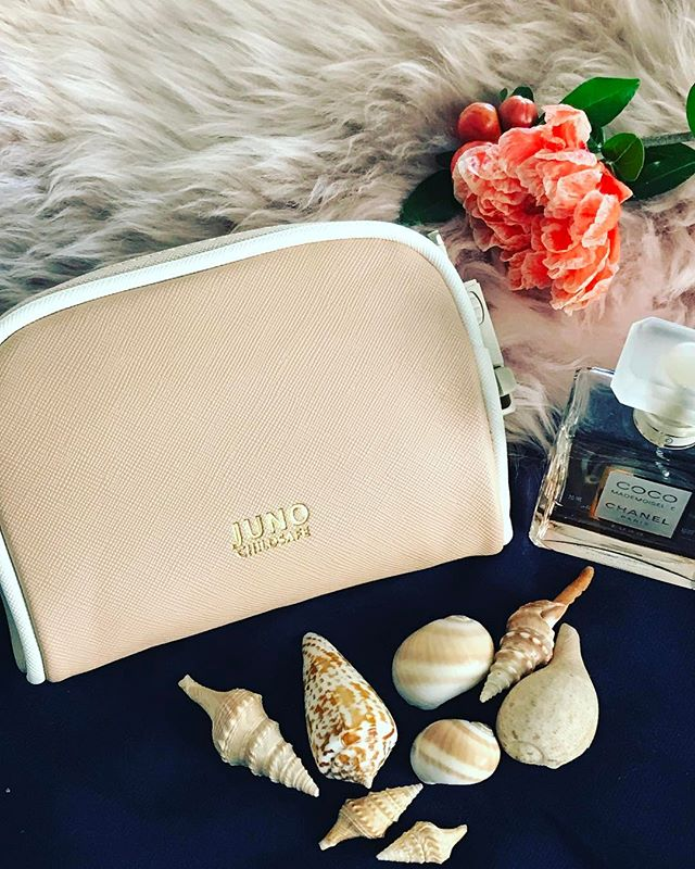 Our last little one still at home. All our other Dolce colours are gone baby gone. If you'd like to grab one of these remaining bags in Nude (my fave) as a Christmas pressie - to yourself or someone special - be quick! #junochildsafe #juno #christmaspresent #kidsafe #giftideas #bags #uniquegifts #