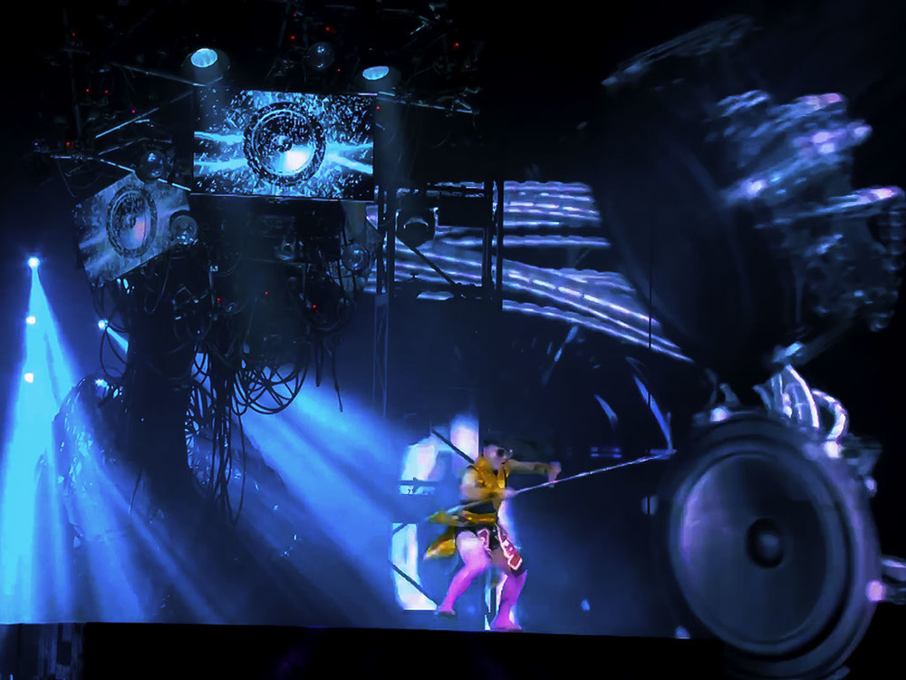 technomedia-michael-jackson-one-cirque-du-soleil-immersive-projection-2x-1.jpg