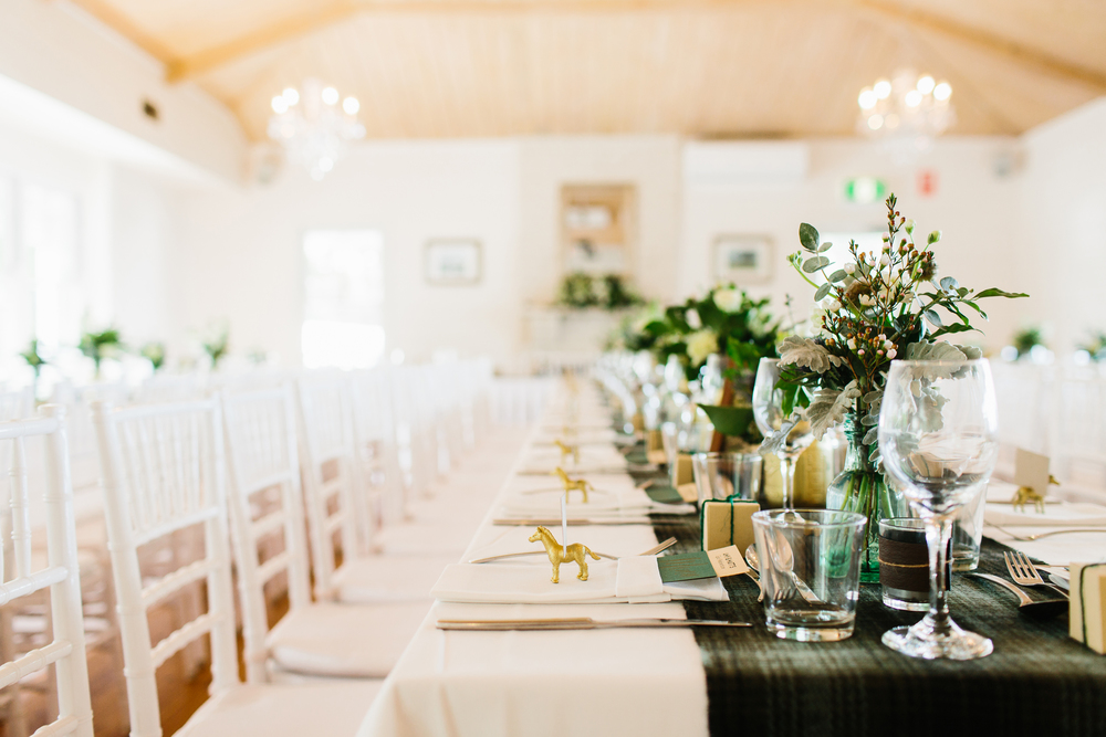 emerald-green-and-gold-wedding-theme