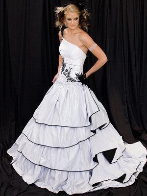 Evita - 2008 QLD Brides Design AwardsCouture AwardRunner Up - 2nd place
