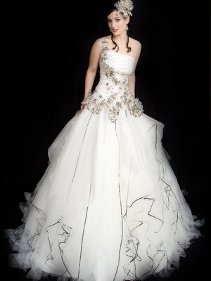 Papillion Embrasser - 2008 QLD Brides Design AwardsAvant-garde AwardWINNERClassique AwardHighly Commended - 3rd place