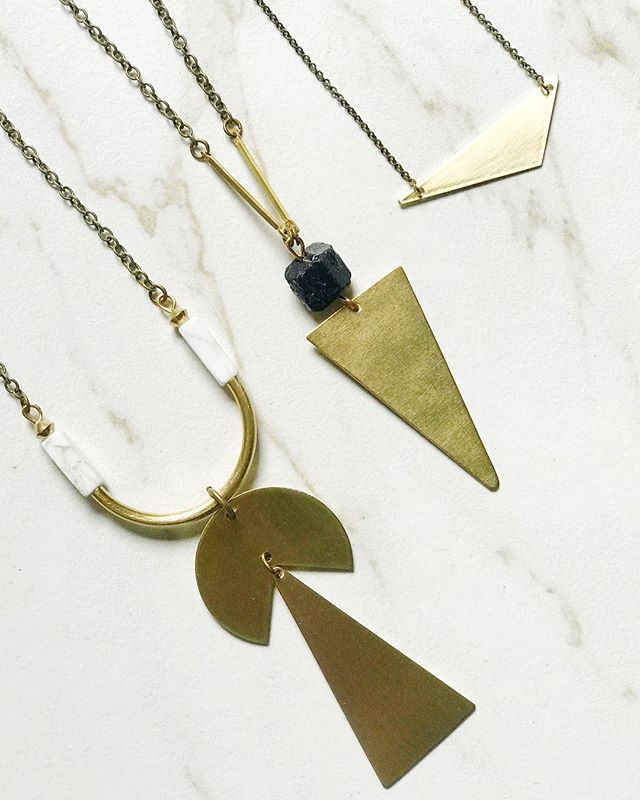 Polishing a bunch of pieces today and excited for the weekend to begin so I can start watching Ozark season 2 😏. . . . . . #tourmaline #bohoismyjam #makersmovement  #minimalstyle #flatlayforever #scandistyle #thatsdarling #supportthemakers #indigofair #wholesalejewelry #womanowned #makersgonnamake #wasmallbusiness #crystalhealing #mineraljewelry #shopsmallbusiness #bohochicjewelry #boutiqueshopping #supportsmallbusiness #witchy #womanownedbusiness #bohobride #minimalstyledaily #bohostyle #bohofashion #jewelryaddict #boutiquejewelry #jewelryoftheday #bohemianmodern #statementnecklace