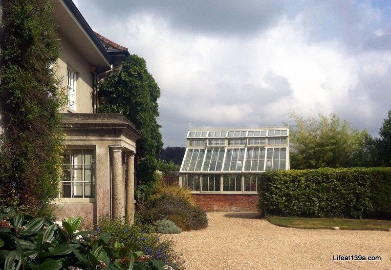 Bosvigo: A plantsman's garden