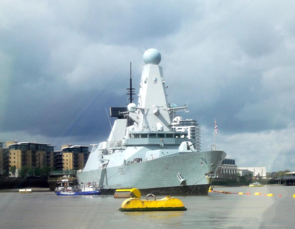 HMSDefender_approach.jpg