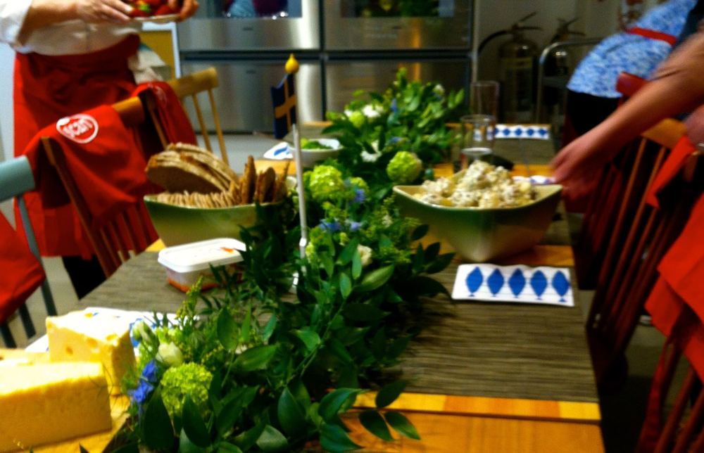 Swedish Midsummer table garland.jpg
