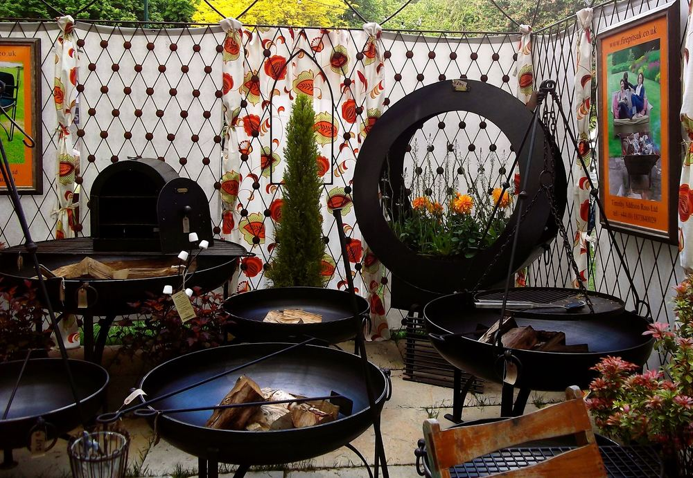 Firepits at Chelsea Flower show.jpg