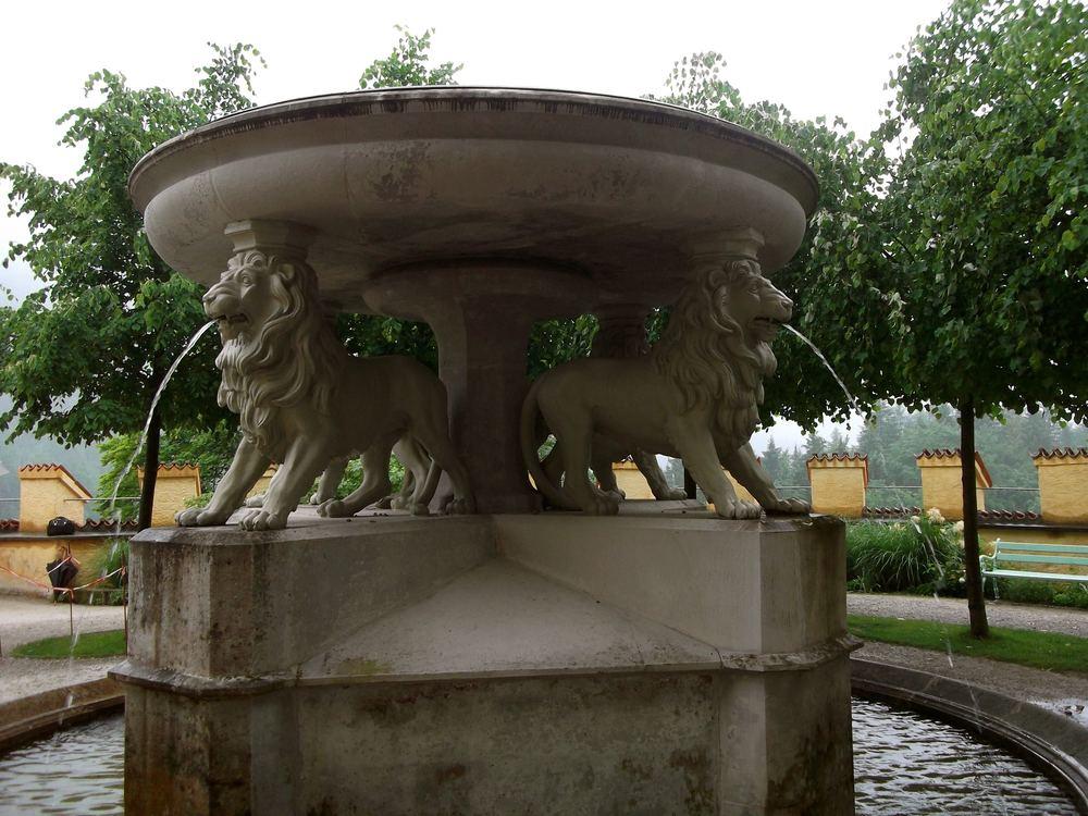 lionfountainhohenschwangau.jpg
