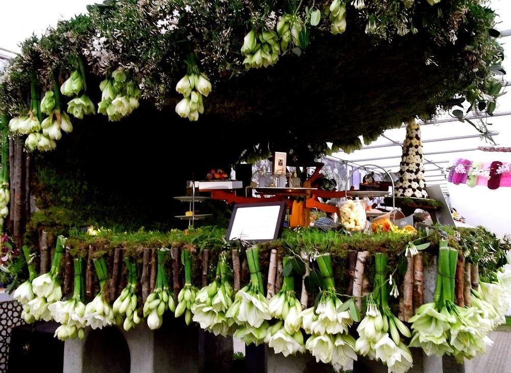 flowerpiano.jpg
