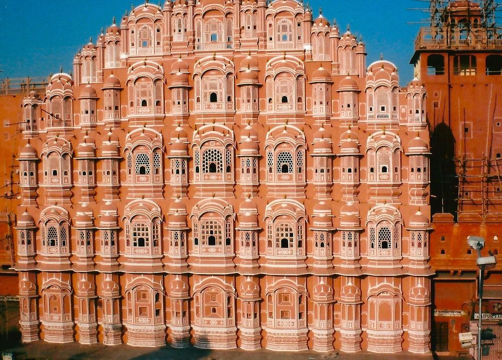 JAIPUR'S MOST DISTINCTIVE LANDMARK, THE FAIRY-TALE PINK-SANDSTONE HAWA MAHAL