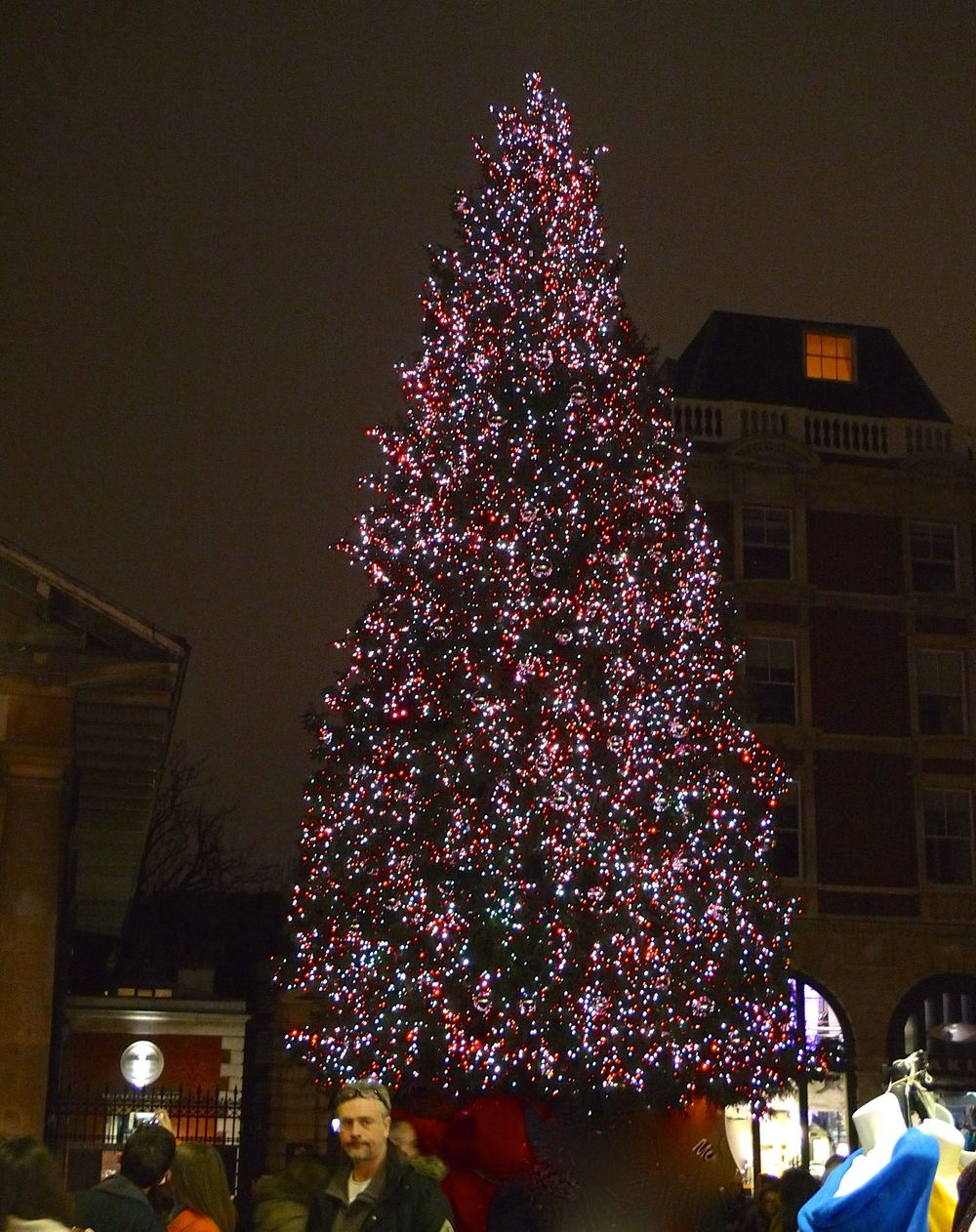 COVENT GARDEN'S CHRISTMAS TREE (WITH AN UNKNOWN GENTLEMAN!)