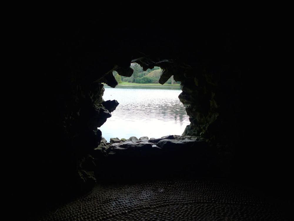 Grottoandthelake