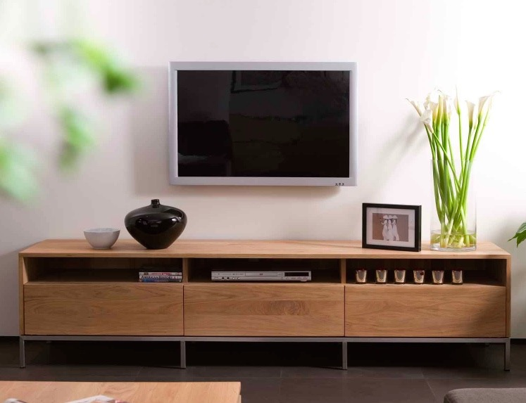 LIGNA OAK TV UNITS FROM £979  Photo credit: AIF