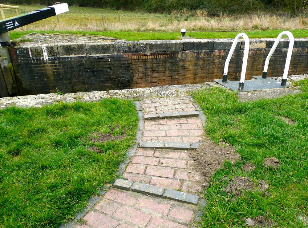 WOOLSTHORPE LOCK
