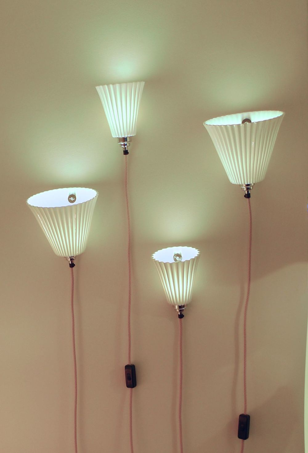 PORTABLE PLEAT WALL LIGHTS