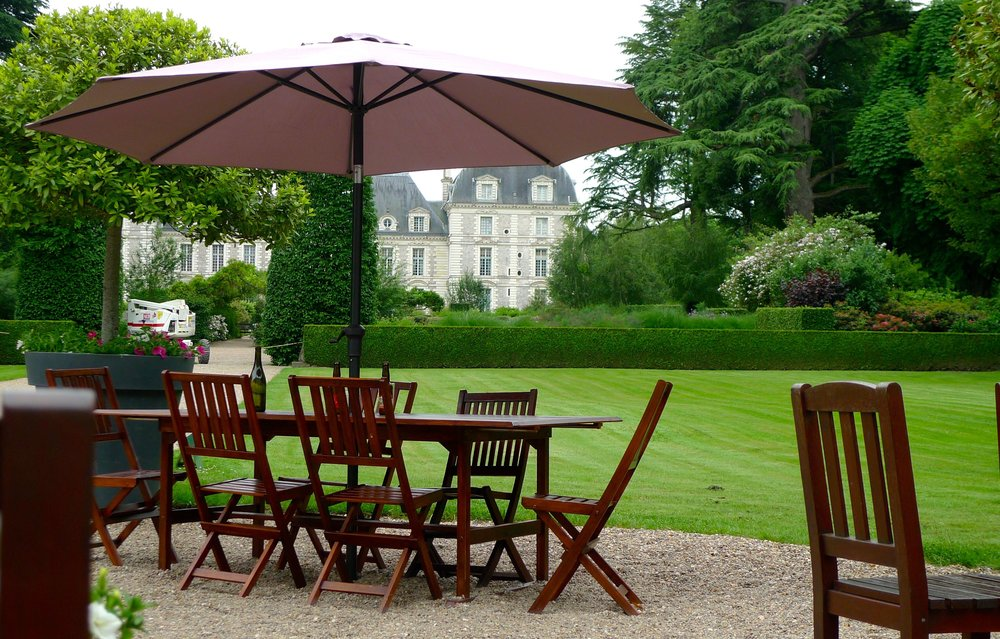 Enjoying a seat and a view at the Orangerie