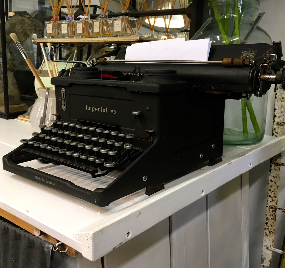 An old-fashioned typewriter