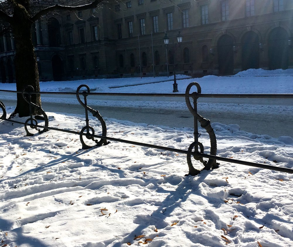 Somehow the snow shows off the design of the railings more clearly in Munich's Hofgarten