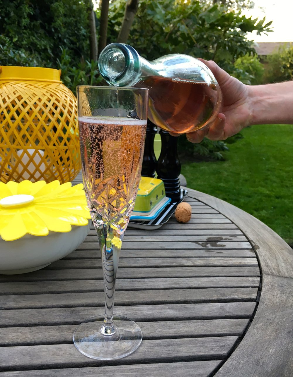 Ah that's more like it, being waited on with rose prosecco