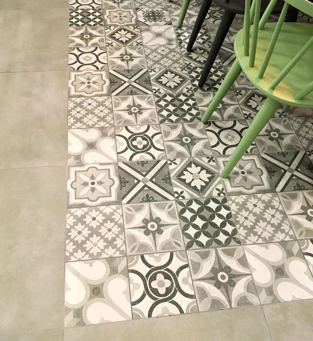Just look at that floor in the dining room set at the Ideal Home Show - isn't it gorgeous?